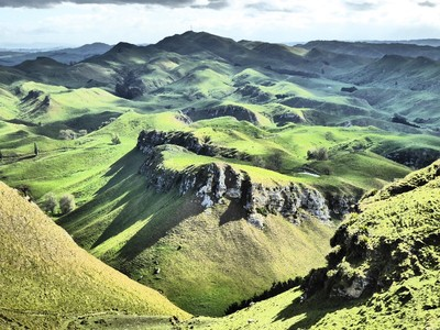 Wine tour with sightseeing views from Te Mata Peak Hawkes Bay